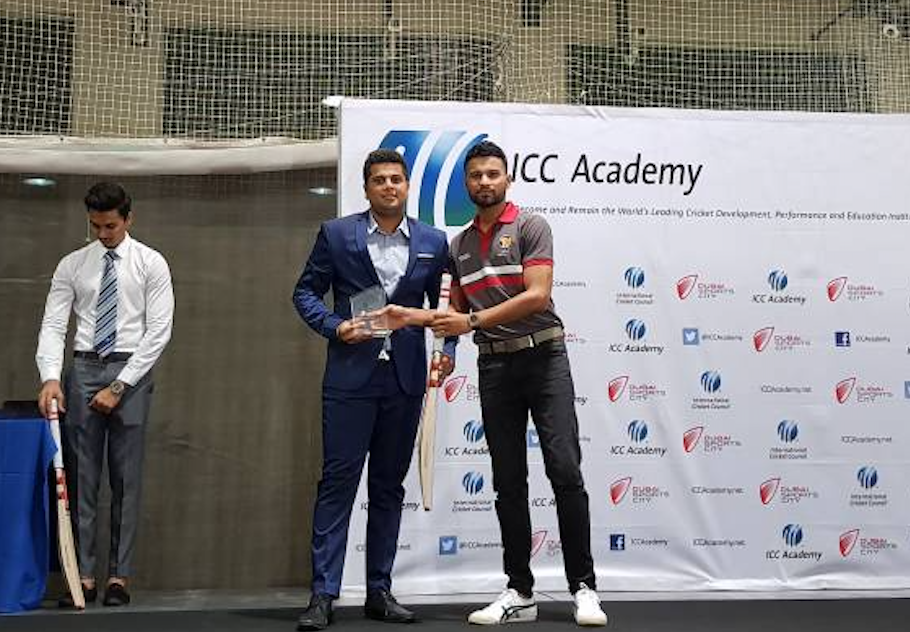 Aashin receives the ICC Player of the Year award